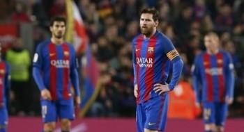 صحيفة: ميسي يشترط رحيل أنريكي و3 لاعبين عن برشلونة من أجل تجديد عقده