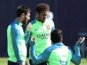 نيمار يتدرب رفقة زملائه ببرشلونة عقب انتصار الكلاسيكو