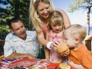 أيتها الام: حافظي على ملمس ومظهر ورائحة ملابس عائلتكِ كلّ يوم!