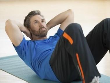 6 طرق طبيعية لتكثيف الشّعر عند الرجال
