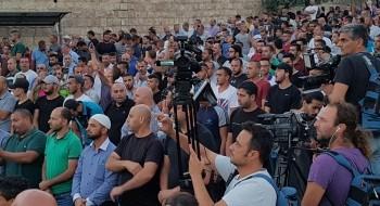 القدس: مواجهات بين الشرطة والمصلين قرب الاسباط وفي حي الطور والعيساوية