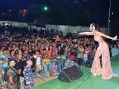 صور: ليال عبود تغني امام 7000 في كفرنبرخ - لبنان
