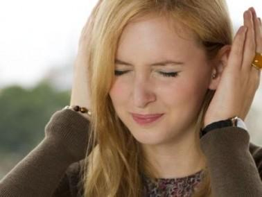 شابة (26 عامًا): خطيبي شكاك وأخاف أن أتركه بسبب كلام الناس