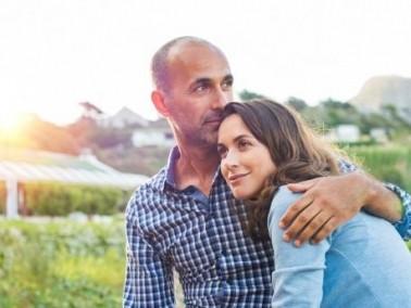 عزيزتي الزوجة: هل يربطك بزوجك الحبّ الحقيقي؟ أربع علامات ستساعدك!
