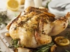 الدجاج المحشي والمشوي بالأعشاب والليمون
