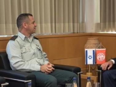الجيش: رئيس هيئة الاركان يلتقي المدير العام لقوة المراقبين الدوليين في سيناء