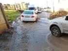 سكّان حي بين قلنسوة والطيبة: الأمطار أغرقت شارعنا ونعاني من صعوبات التنقّل والسير فيه