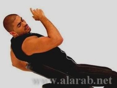 خالد سليم بعضلاته المفتولة يطل عليكم بصور من كليبه