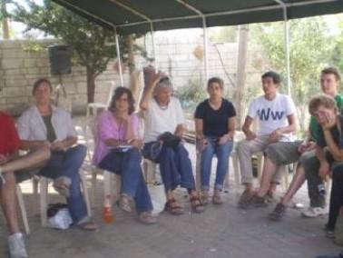 زيارات تضامنية بدهمش لعدم توفر العدالة الاجتماعية