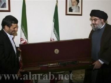 نجاد يلتقي نصر الله ويهديه بندقية قبل أن يغادر لبنان