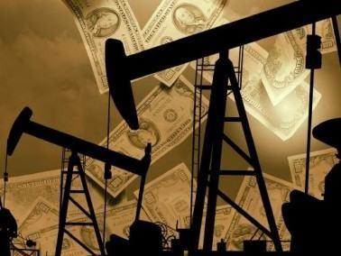 النفط يصعد إلى83دولارا للبرميل قبل كلمة لبرنانكي
