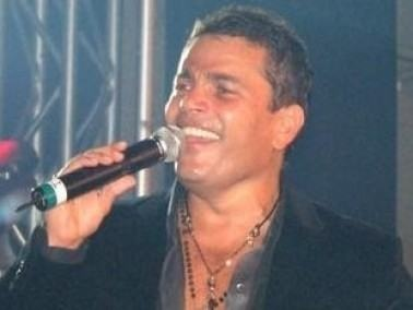 عمرو دياب يحتفظ بلقب أفضل مغني إفريقيًّا