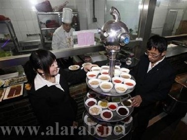 نشاط مستمر وعمل دؤوب:12نادل بمطعم صيني