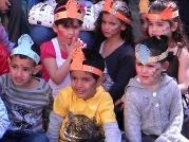مدرسة الزيتون الإبتدائية تحتفل بيوم الأم والأسرة
