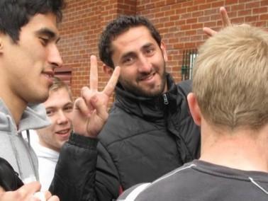 عودة بعثة كرة القدم من اجل السلام من بريطانيا