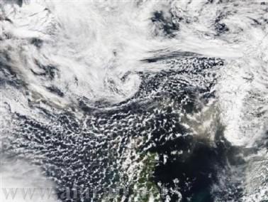 إلغاء 500 رحلة جوية اوروبية بسبب الرماد البركاني