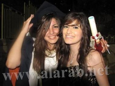 حفلات تخرج 2011 في المدارس: الطلاب يرقصون ويغنون