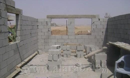 مؤسسة النقب تبني ثلاثة بيوت لعائلات محتاجة بالنقب