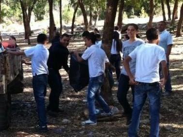 مشاركة فعالة لمدرسة شعب الاعدادية في يوم النظافة