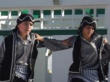 فرقة دبورية للدبكة تتألق بمهرجان التراث البدوي