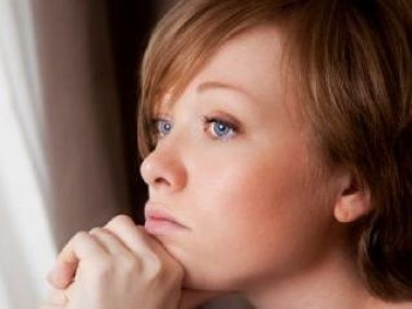 دراسة: الحزن يرفع خطر الإصابة بالسكتات القلبية