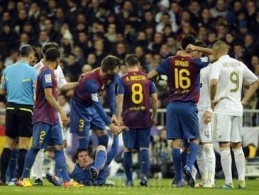 طبيب برشلونة: آثار قدم بيبي لا تزال في يد ميسي