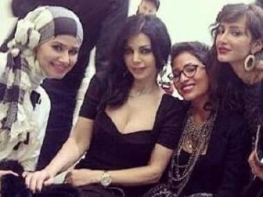 بالصور:هيفاء وهبي مع معجبات سعوديات