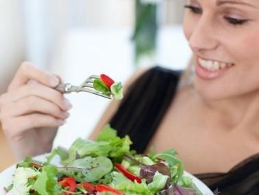 الافراط بالاكل يسبب فقدان الذاكرة والتراجع الذهني
