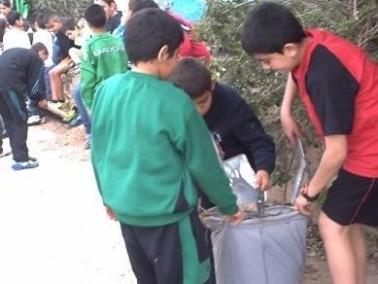 حملة نظافة بمدرسة النجاح في البعينة