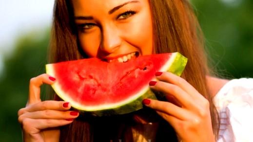 دراسة حديثة:أكل البطيخ يساعد بخفض ضغط الدم