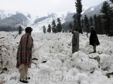 مقتل عشرات الجنود في انهيار ثلجي في باكستان