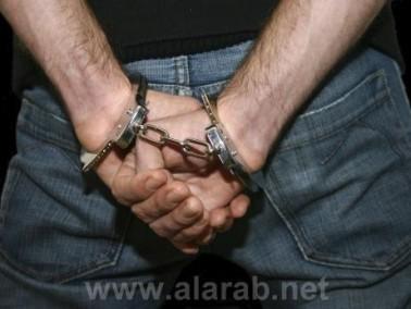 إعتقال شاب من قلنسوة بشبهة سرقة مسنة