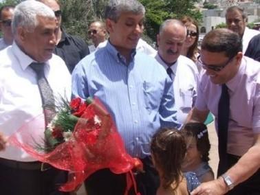 وزير الصناعة والتجارة في زيارة للقرى البدوية في الشما