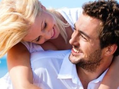 الفتاة والشاب: إحذرا من التصنع بفترة الخطوبة