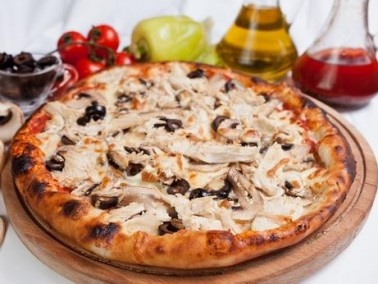 سيدتي: طريقة تحضير بيتزا المشروم والسلامي