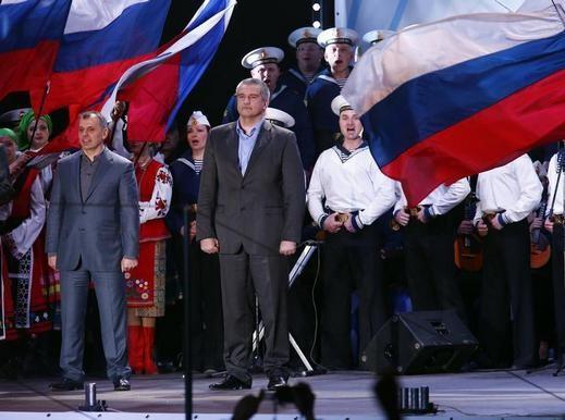 روسيا تضم القرم والغرب يعترض