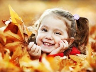 دراسة: تناول الأطفال للحلويات يزيد من طولهم