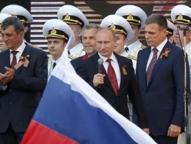 بوتين من القرم: على الآخرين احترام حقوق الروس