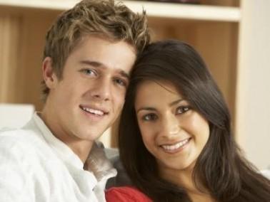عزيزتي: 5 تنازلات في الحب قدميّها لعريسك
