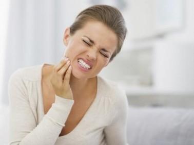 اكتشاف يفيد من يعاني من حساسية الأسنان