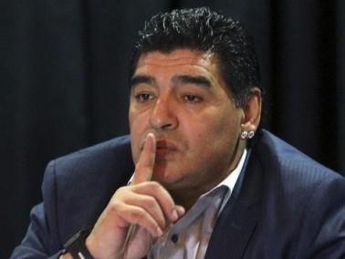 مارادونا يسخر من ديل بوسكي:كاسياس ما كان يجب أن يلعب