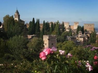 رحلة إلى قصر الحمراء في غرناطة الإسبانية