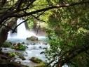 رحلة مشوقة للغاية إلى شلالات بانياس المميزة بجمال وروعة منظرها