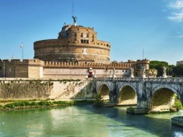 طيروا معنا الى العاصمة روما
