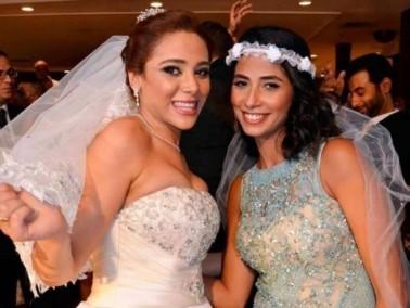 روبي تحتفل بزفاف شقيقتها وترقص في الحفل