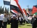 تلفزيون العرب: دخول وفد الجولان أثناء مراسم جنازة الراحل سميح القاسم
