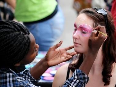 لندن:مهرجان نوتينغ هيل إحياءً ليوم الطفل العالمي