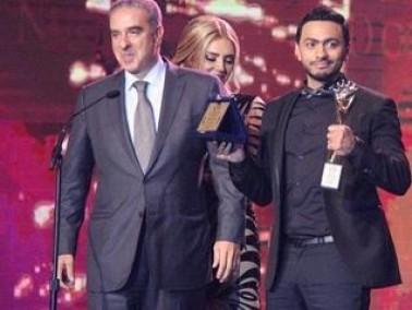 تامر حسني يحصل على جائزة موريكس دور