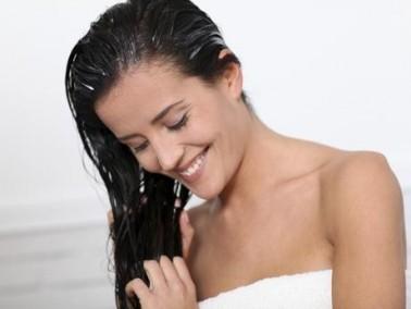 صبايا العرب.نت: إليكن طريقة غسل الشعر الطويل