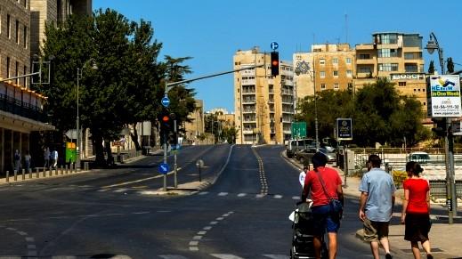 إسرائيل تغلق الضفة الغربية اعتبارًا من منتصف الليلة